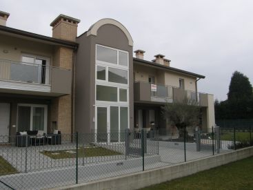 """""""RESIDENCE OASI C"""" a Isola vicentina"""